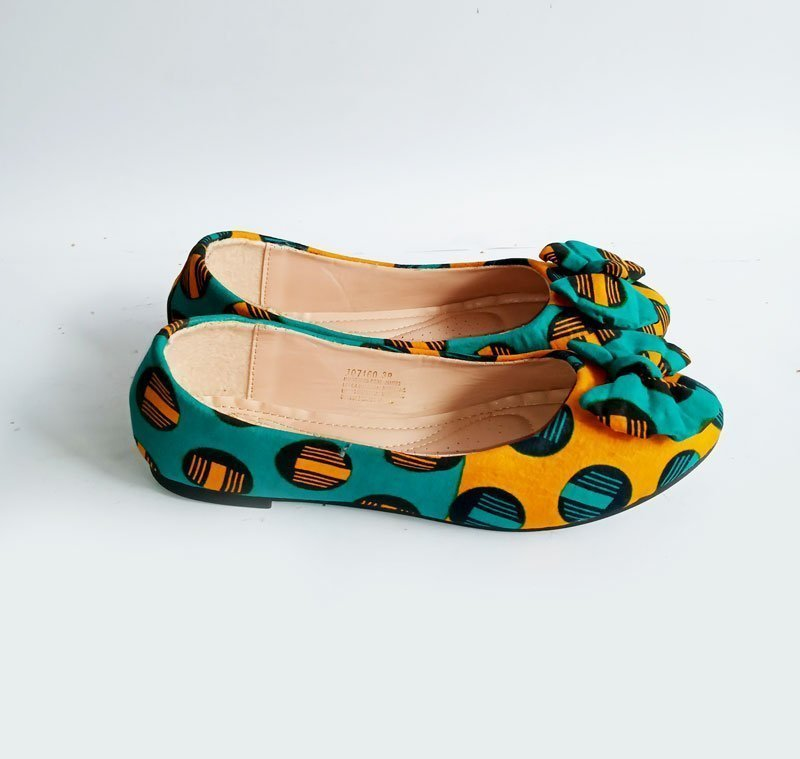 african print purse and shoe1b