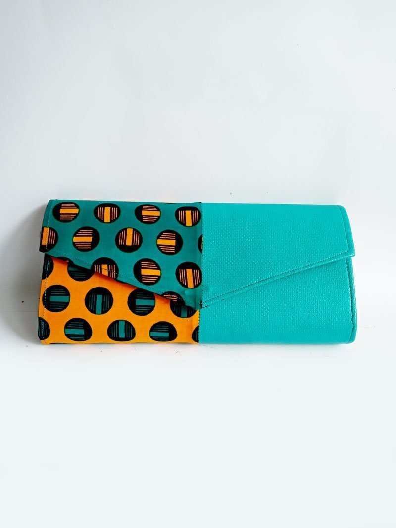 african print purse and shoe1d