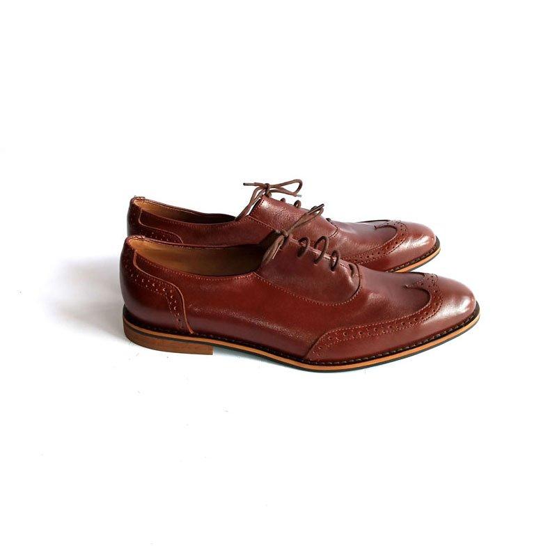 brown plain toe shoe
