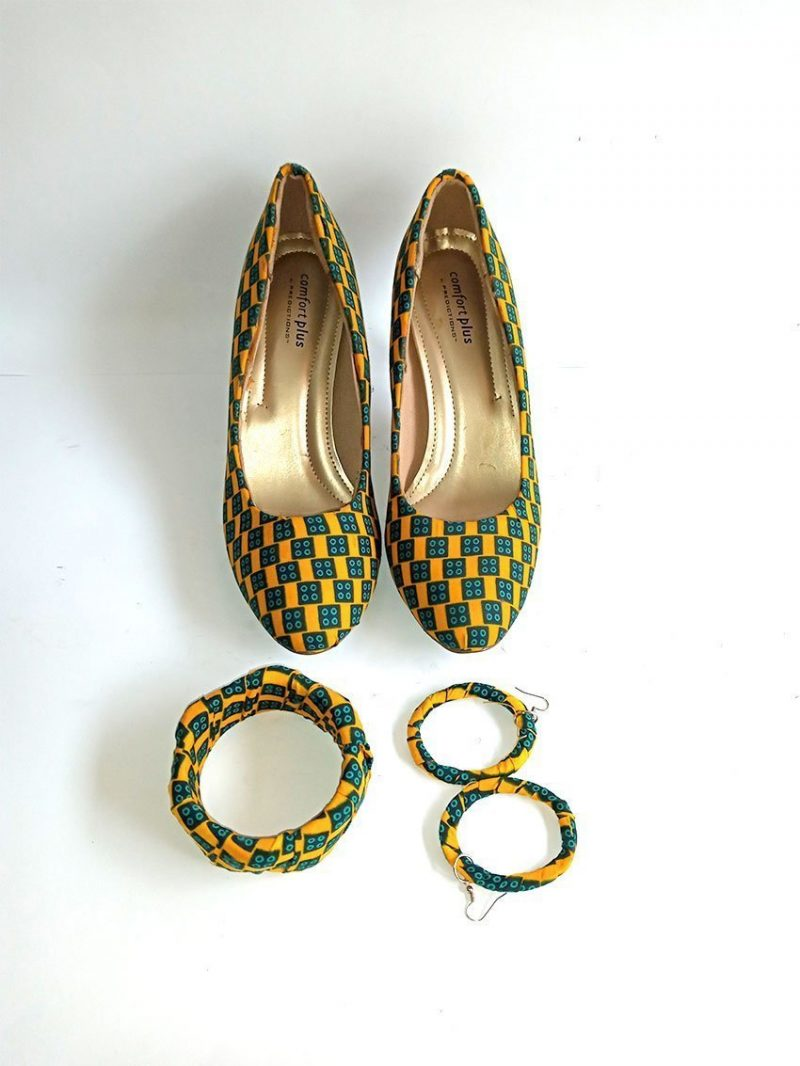 ladies shoe with ear ring