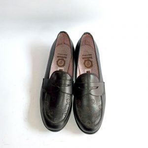 loafers black..